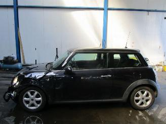 damaged passenger cars Mini Cooper COOPER D veel opties 2007/7