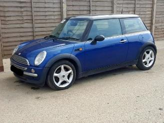 Mini Cooper Mini One/Cooper (R50) Hatchback 2001 / 2007 2001/1