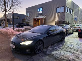 Schade auto Tesla Model S P85D - FULL OPTIONS - SCHADEVRIJ! 2015/11